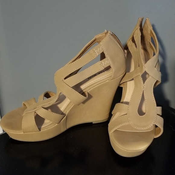 TOP Moda Shoes - Nude Wedges